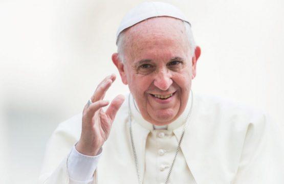 https://diecezja.lowicz.pl/app/uploads/Pope-Francis-papież-Ojciec-Świety-fot.-Mazur-Large-1068x711-555x360.jpg