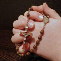 https://diecezja.lowicz.pl/app/uploads/rosary-1211064_960_720-240x240.jpg